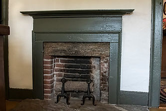 208 enders shallow fireplace.jpg