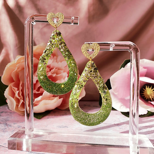 Flamingo Signature Dangle earrings in tropical green