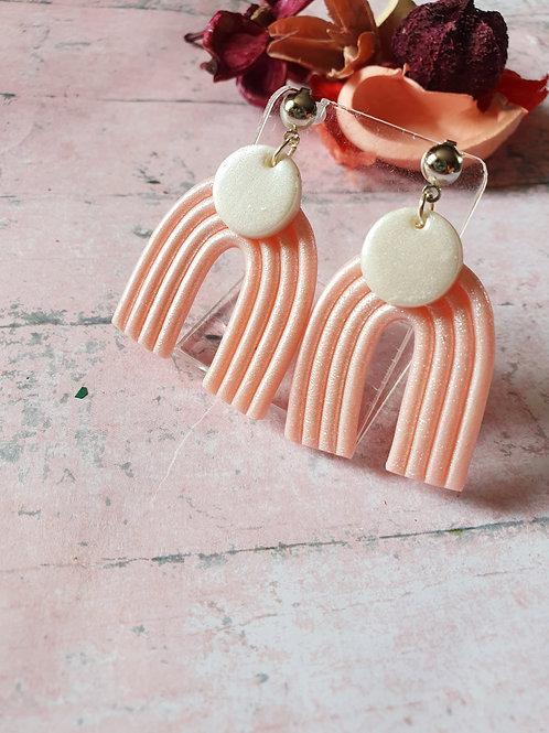 Pearl effect arch dangles earrings