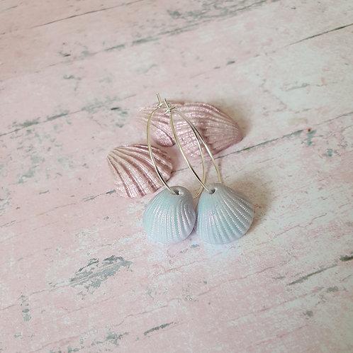 Light blue pearl effect seashell hoop earrings