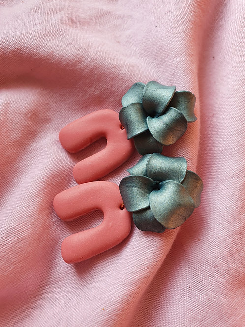 Mettalic green flowers with matte pink arches