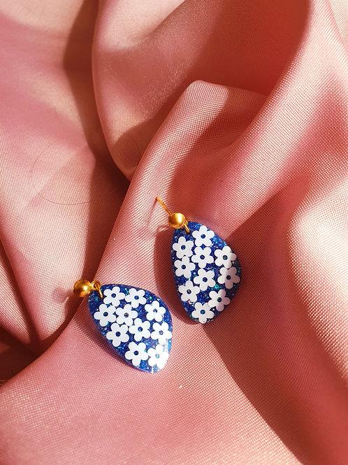 Flower blue dangle earrings