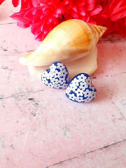 Flower chunky heart earstuds - hypoallergenic