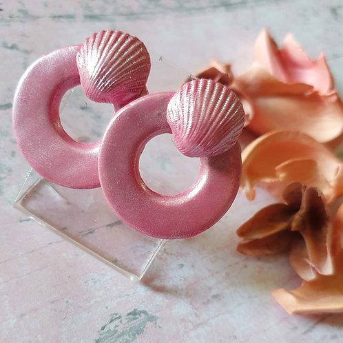 Mauve pink pearl effect ear studs