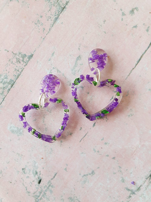 Purple flower and green sparkly stones in resin heart - hypoallergenic earrings