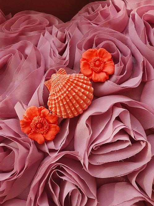 Peachy pink flower and seashell hair barette