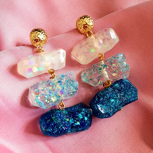 3-tier sparkly gemstone earrings in blue tones - super sparkly