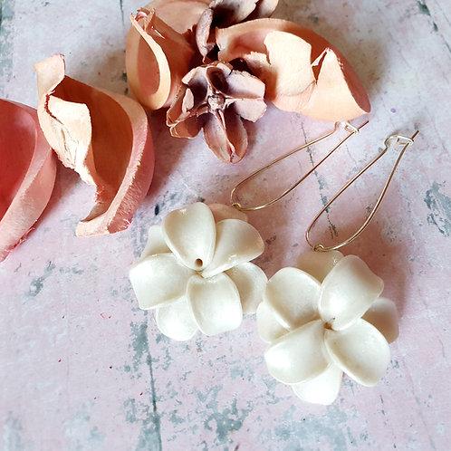 White pearl effect flower hoop earrings