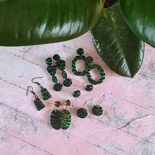 The green animal print edition earrings