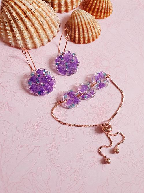 Resin flowet hoop earrings with adjustable bracelet - rose gold effect