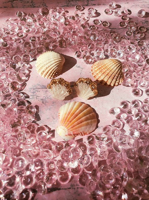 Pear seashell ear studs with glitter deco - hypoallergenic