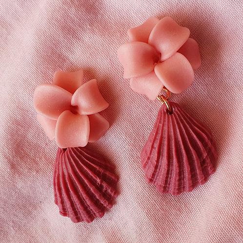 Flower seashell dangles