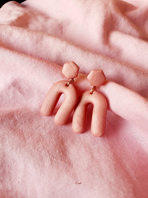 Pink pearl arch dangles