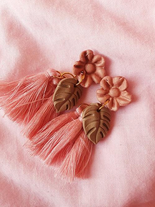 Boho tassels in pink