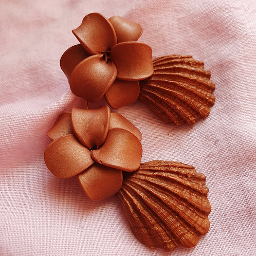 Brown flowers with seashells dangles
