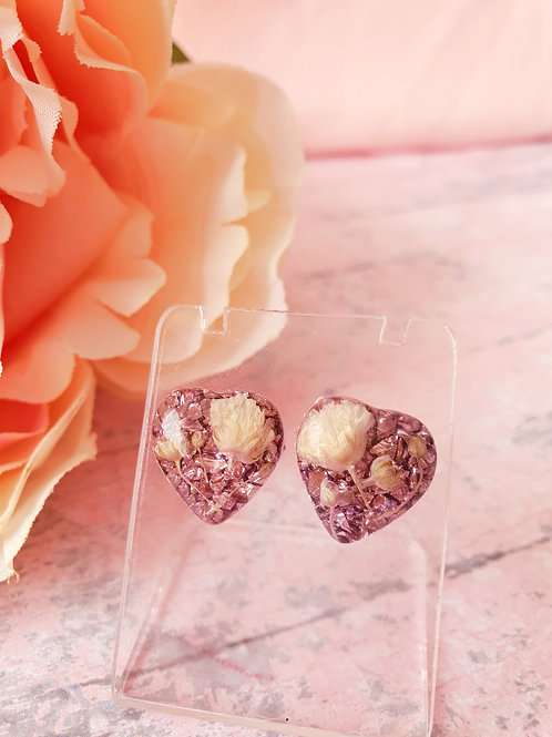 Liliac sparkly hearts with dried flowers - hypoallergenic earrings