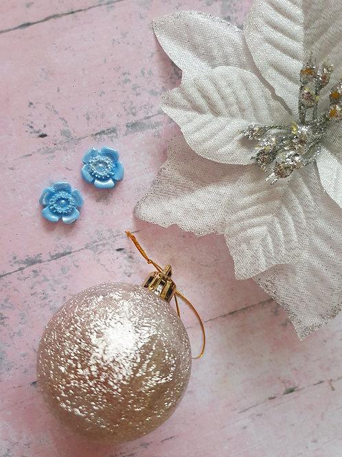 Pearl blue flower small earstuds - hypoallergenic