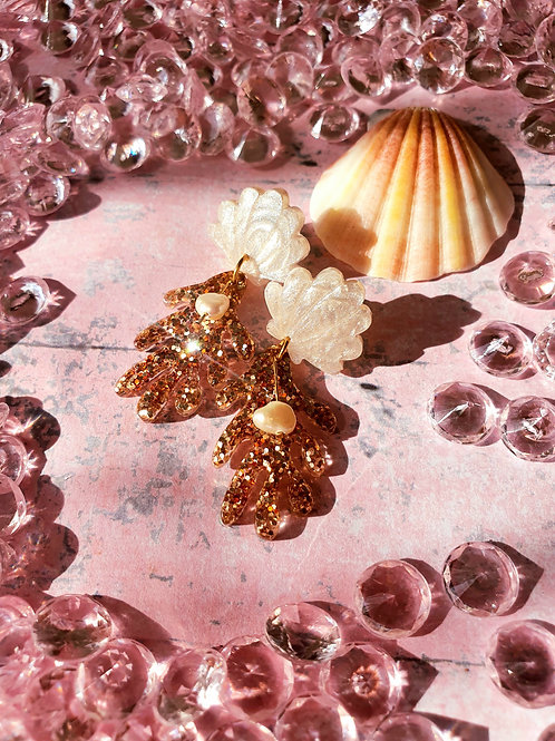 Pearl seashell with gold sea coral earrings - hypoallergenic