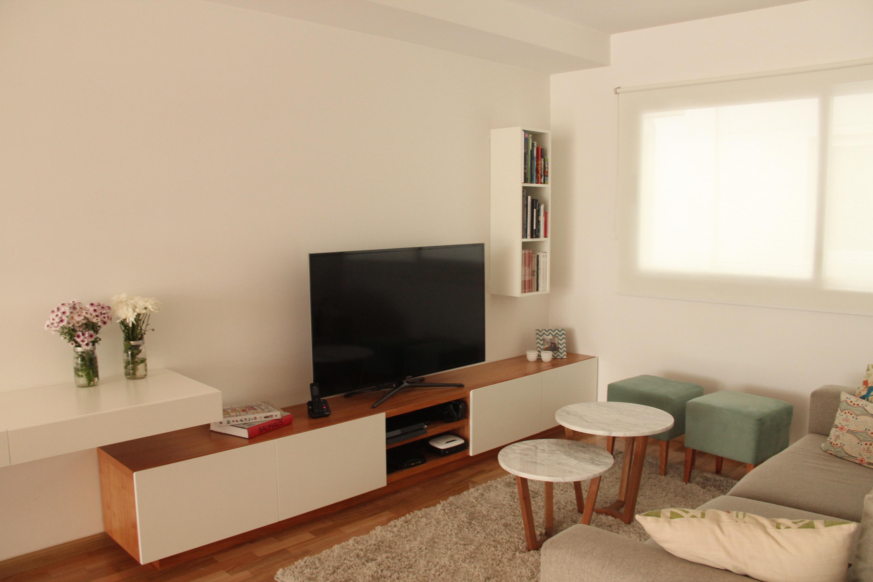 living blanco minimalista con diseño