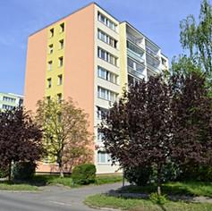 PRODÁNO - Prodej bytu  zrekonstruovaný, byt 3+1 o výměře 72m2  s lodžii + sklepní kójí na patře  Pra