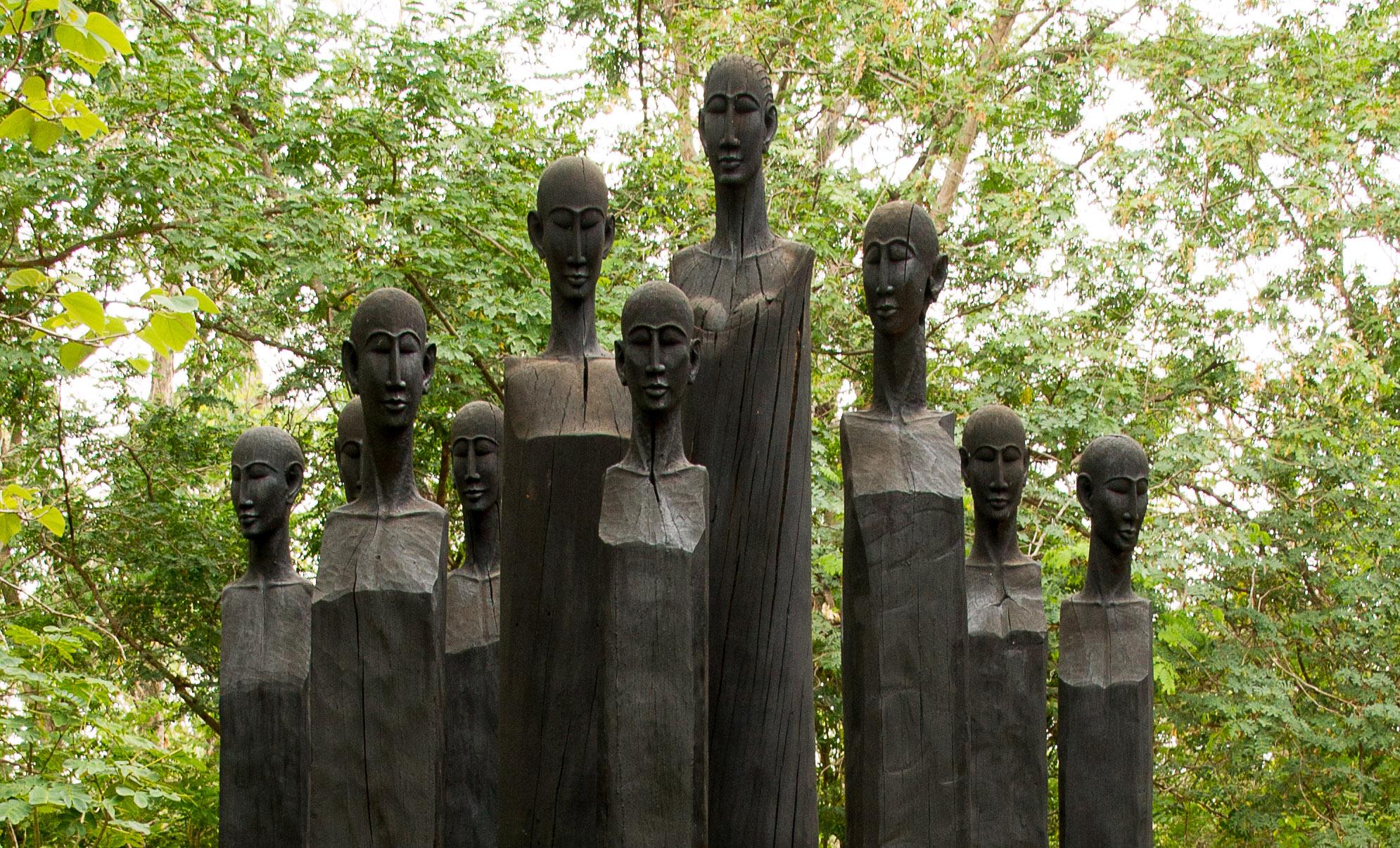 Sculptures en palissandre