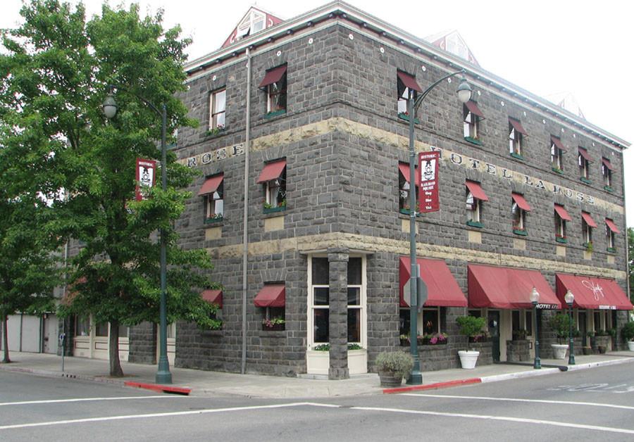 Hotel_La_Rose,_Downtown_Santa_Rosa,_Cali