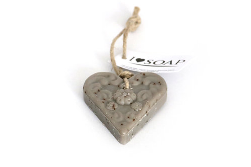 'I Love Soap' Winter 5 x heart soaps 'Roasted Almond'