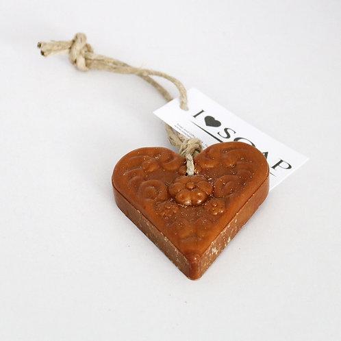'I Love Soap' Winter 5 x heart soaps 'Apple Pie'