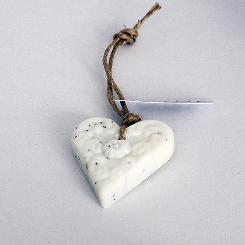 'I Love Soap' Winter 5 x heart soaps 'White Fig'