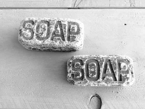 Stone-look soaps