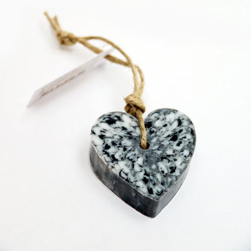'I Love Soap' 5 x Marble Heart soaps 'Black'