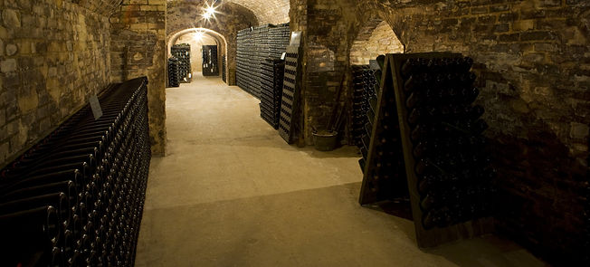 Buy Special Club Champagnes online.  Free UK champagne delivery.  Dawe Wines, Bath wine merchant.