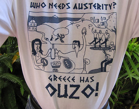 T-shirt with graphics of greek culture