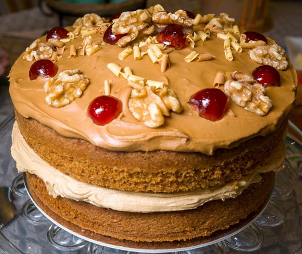 kates kakes coffee and walnut cake