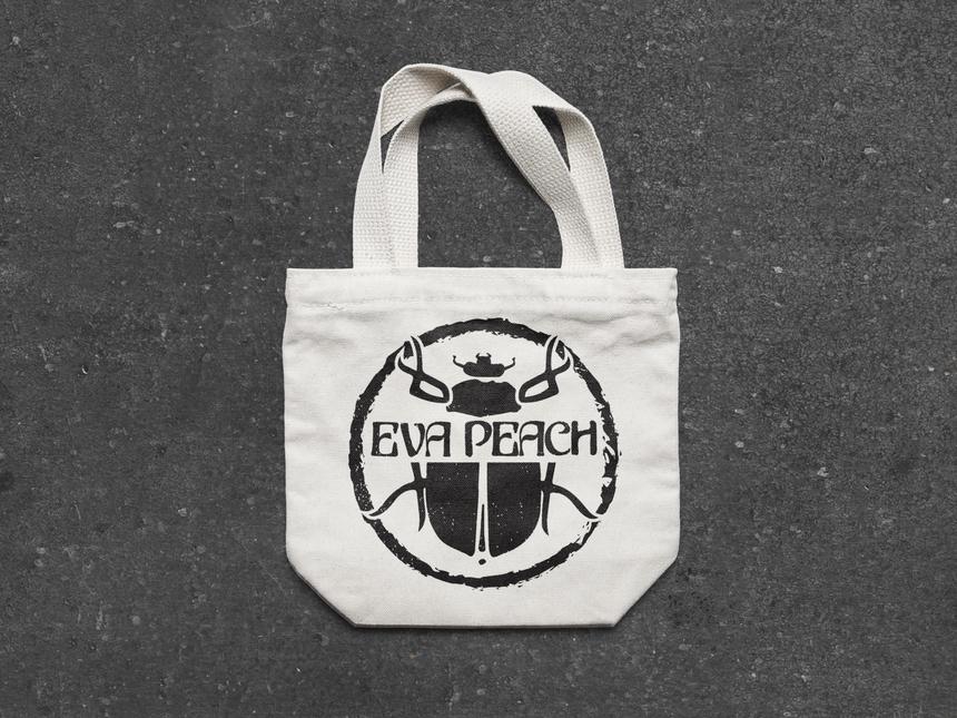 Designray eva peach logo