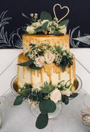 kateskakes golden drip wedding cake