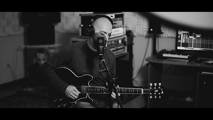 Andrew Demo 24bit - per Video.00_01_04_1