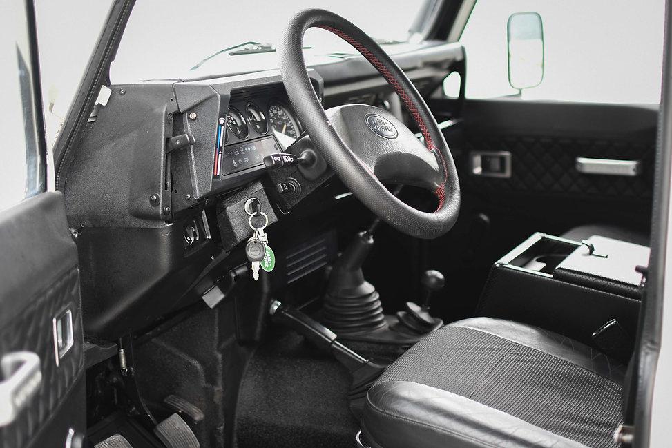 1995 Defender 130 interior.jpg