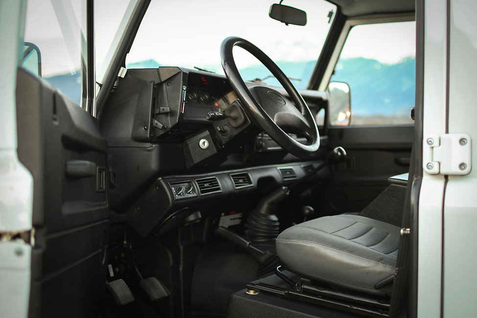 2004 Defender 130 Drivers Interior Spit