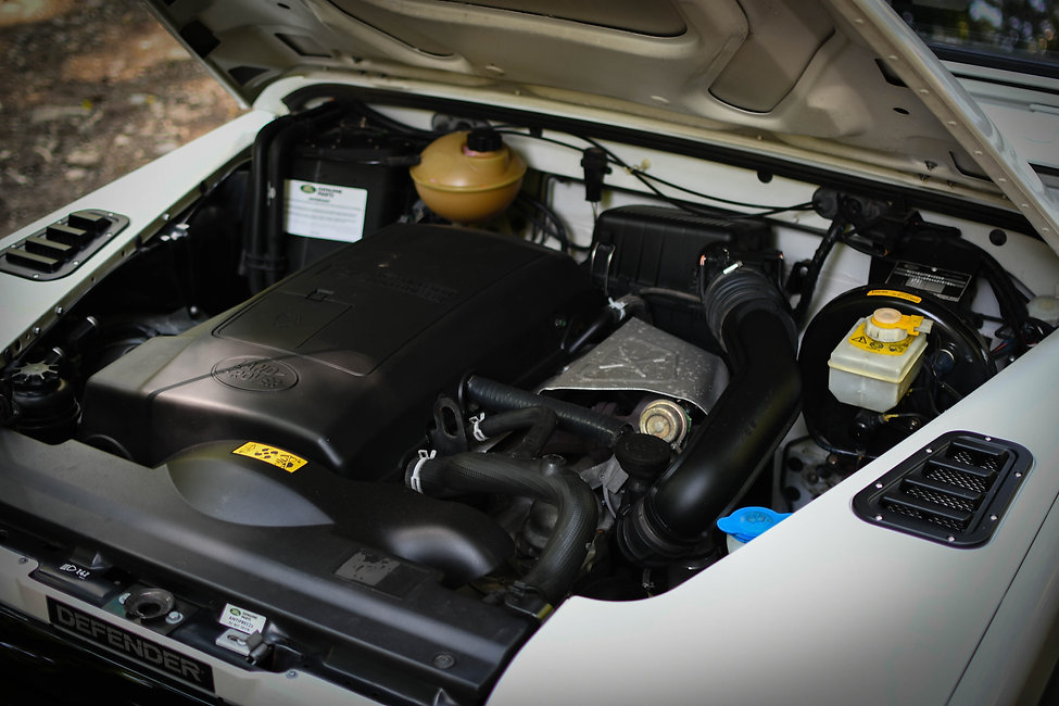 2004 Defender 90 Engine.jpg