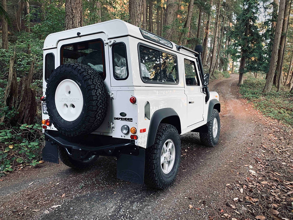 2004 Defender 90 TD5 Lifted rear.jpg