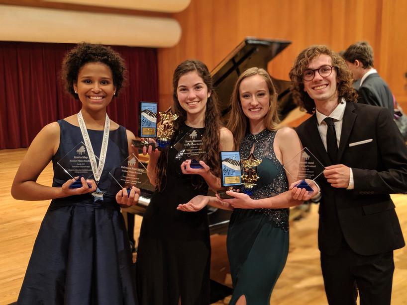 Maria, Renée, Rebecca, Isaac 2.jpg