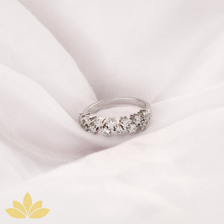 R033 - Alternating Round Stone Half Ring Band