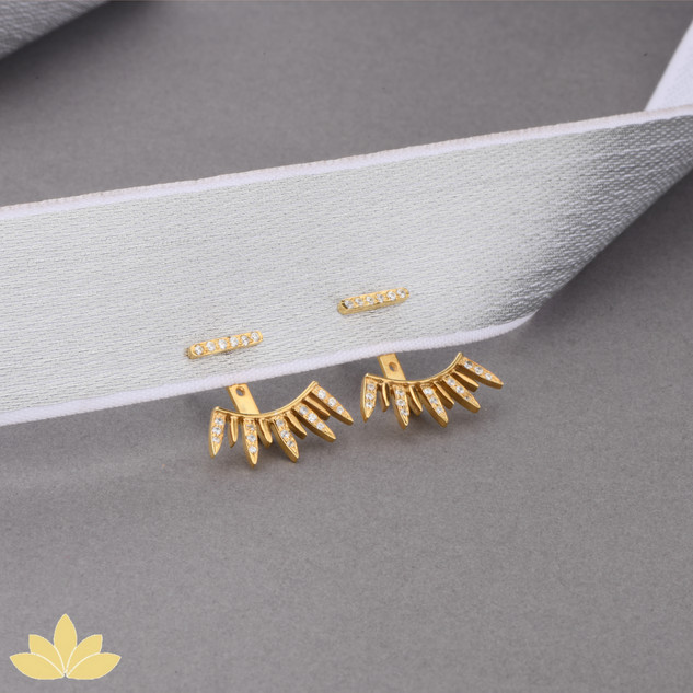 E006 - Gold Pointed Earrings
