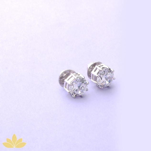 E033 - Silver 2c Round Stud