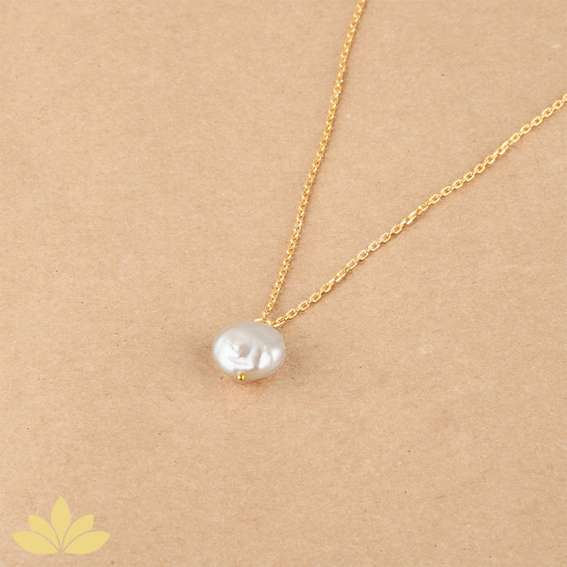 P014 - Baroque Pearl Pendant with Gold Chain
