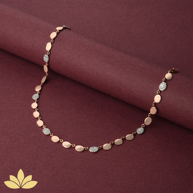 WN06 - 1 to 3 Oval Necklace in Rose Gold