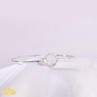B010 - Interlocking Circle Stiff Bracelet