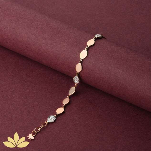 WB06 - 1 to 3 Oval Bracelet in Rose Gold