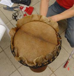 Djembe reparatie workshop